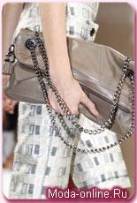 Вот, например, сумки из летних коллекций. на фото: Marc Jacobs, Versace...