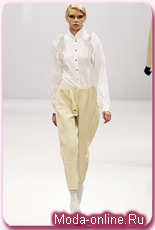 Модный весенний тренд – брюки-галифе