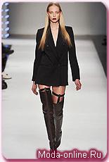 Высокие сапоги готовы вытеснить брюки?