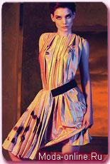 Опубликованы рекламные снимки с участием Кейти Холмс и Виктории Бэкхем