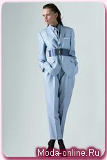 YSL превратил мужской смокинг в женский костюм