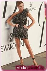 Виктория Бэкхем продемонстрирует свою коллекцию вне Лондонской недели моды