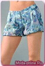 Сестры Олсен и Уитни Порт создали одинаковые модели шорт